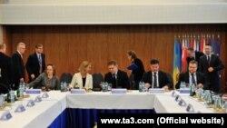 Зустріч глав дипломатій чотирьох країн Вишеградської групи та шести країн «Східного партнерства». Братислава, 15 травня 2015 року