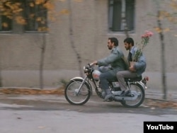 """Abbas Kiarostaminin """"Yaxın plan"""" filmindən bir kadr."""