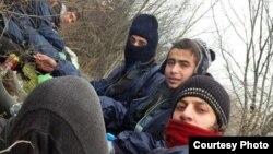 Gait (sa crvenim šalom) i njegovi prijatelji na putu za EU