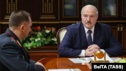 Лукашенко 29-октябрда өткөргөн жыйында тартылган сүрөт.