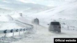 Ձյունածածկ ավտոճանապարհ Հայաստանում, արխիվ
