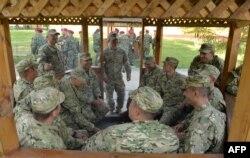 Грузинські військовослужбовці на вченнях Rapid Trident. Яворівський полігон, вересень 2014 року