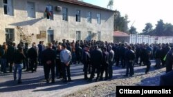 "Здание суда, где проходит процесс над лидерами партии ""Мусават"". Шеки, 4 ноября 2013 года."
