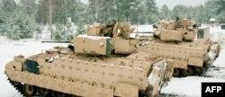 Американская бронетехника на учениях в Адажи (Латвия)