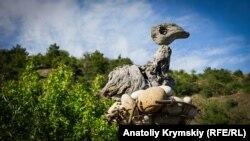 Время собирать камни: «миниатюрный город» в крымских горах (фотогалерея)