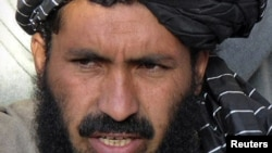 Pakistan -- Maulvi Nazir, one of Pakistani most influential militant leaders, speaks during a news conference in Wana, the main town of the South Waziristan region, 20Apr2007