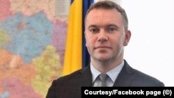 Ambasadorul Oleksandr Bankov spune că de vină pentru neînțelegerile create de discursul președintelui Zelenski este traducerea în limba engleză de pe pagina președinției ucrainene