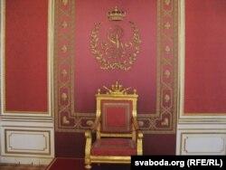 Крэсла Станіслава Аўгуста Панятоўскага ў каралеўскім замку ў Варшаве