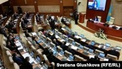 Қазақстан парламенті мәжілісінің отырысы.