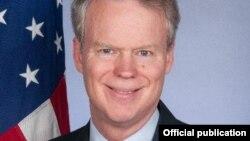 Ambasadori amerikan, foto arkivi