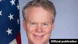 Ambasadori amerikan në Kosovë, Greg Delawie