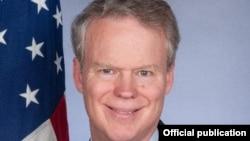 Ambasadori i Shteteve të Bashkuara në Kosovë,Greg Delawie.
