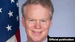 Ambasadroi i Shteteve të Bashkuara në Prishtinë, Greg Delawie.