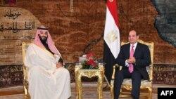 محمدبنسلمان علاوه بر گفتوگو با رییسجمهوری مصر، قرار است با شماری از دولتمردان و مقامات امنیتی این کشور نیز گفتوگو کند.