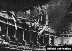 Clădirea Operei distrusă de bombardamentele din 1943
