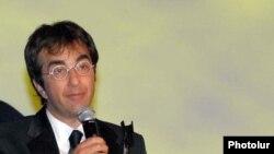 Атом Эгоян во время ереванского кинофестиваля «Золотой абрикос» (архив)