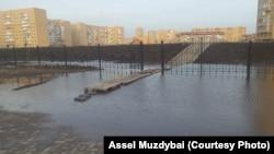 Паводки в Астане. 3 апреля 2014 года. Фото с Facebook на странице Асель Муздыбай.