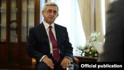 Президент Армении Серж Саргсян дает интервью телеканалу Armnews, 10 августа 2014 г.