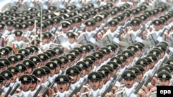 Иранские подразделения на военном параде в Тегеране, 22 сентября 2009 года