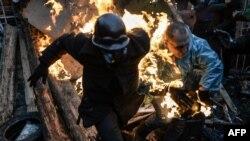 Шерушілер мен полицияның қақтығысы. Киев, 20 ақпан 2014 жыл.