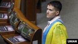 Надежда Савченко в зале Верховной Рады