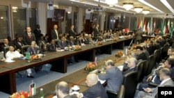 Саммит ОПЕК, на котором решаются объемы добычи нефти, проходит в Вене