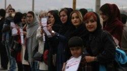 تشکیل زنجیره انسانی در پیرانشهر در اعتراض به شمار بالای تصادفات و ناامنی جادهای