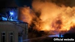 На месте пожара в швейном цехе в Москве. 30 января 2016 года.