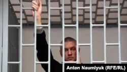 17 грудня Станіслав Клих повідомив про проблеми зі здоров'ям і про те, що думає оголосити повне голодування