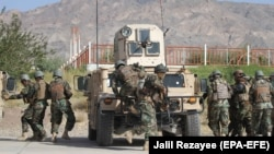 """امنیتي چارواکي وايي، """"نهرسراج"""" ولسوالۍ کې د طالبانو پر یوه زندان عملیات ترسره کړل چې په پایله کې یې د یوه پخواني پوځي په ګډون ۲۷ کسان خوشې شول."""