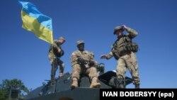 Совместные учения солдат Украины и НАТО под Львовом. Июль 2016 года