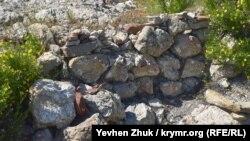Остатки стен древней крепости – исара