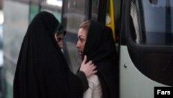 اعمال قدرت و کنترل اجتماعی از طریق طرح های مرتبط با حجاب نکته ای است که برخی آن را از روش های دیرپای نظام اسلامی می داند.