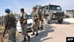 Турските војници заземаат положба во турскиот град Акчакале
