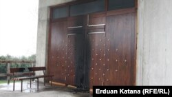 Zapaljena vrata franjevačke crkve