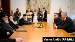 Patrijarh Irinej prilikom susreta sa predsednikom Tomislavom Nikolićem