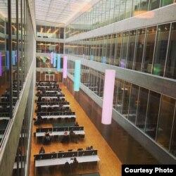 Читальный зал библиотеки Лозаннского университета. Фото из личного архива Анны Переходы