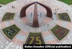 Площадь Победы в Бишкеке. 9 мая 2020 года.