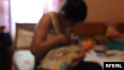 Sofia este una dintre cele 10.000 de adolescente care nasc anual în România.