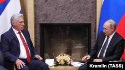 Ruski predsjednik Vladimir Putin sastao se sa svojim kubanskim kolegom Migelom Dijazom Kanelom u Moskvi, 29. oktobra 2019.