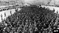 Немецкие военнопленные на улицах Москвы. Сентябрь 1944 года