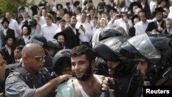 پلیس اسرائیل یک فلسطینی را به اتهام حمله با چاقو به یک اسرائیلی بازداشت کرد.