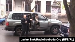 Юрій Вілкул прибув на виборчу дільницю