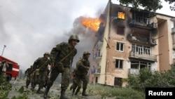 След края на петдневната война Абхазия и Южна Осетия обявиха независимостт, подкрепена от Русия