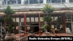 Kafići u centru Skoplja se pripremaju za otvaranje, maj 2020.