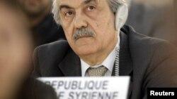 Сирійський посол в ООН Файсал Хаббаз Хамуї слухає доповідь про ситуацію в Сирії, після цього він залишив засідання в Женеві, 28 лютого 2012 року