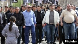 Armenia - Government loyalists attend an election campaign rally held by President Serzh Sarkisian in Echmiadzin, 11Apr2012.