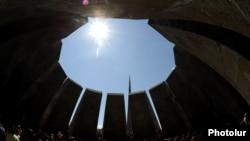 Հայոց ցեղասպանության զոհերի հուշահամալիրը Ծիծեռնակաբերդում