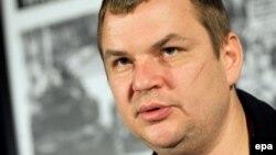 Дмитрий Булатов, министр молодежи и спорта.