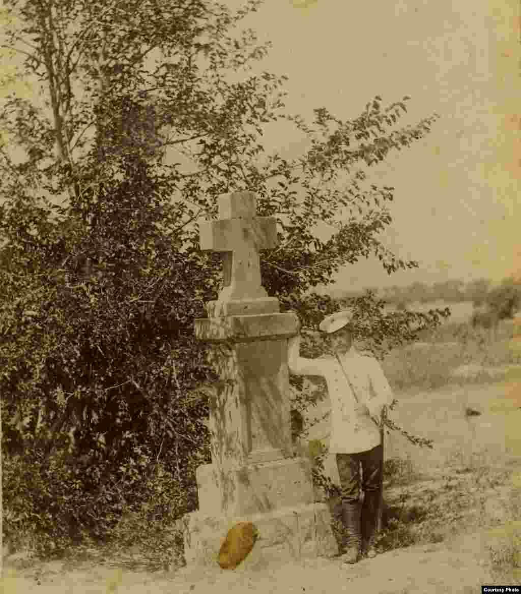 Памятник солдатам и офицерам Куринского полка, погибшим в Дагестане в середине 19 в.